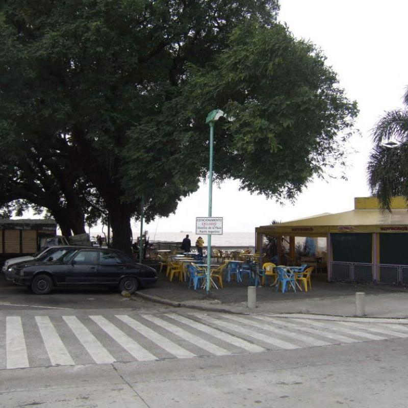 Plaza Puerto Argentino - Entrance